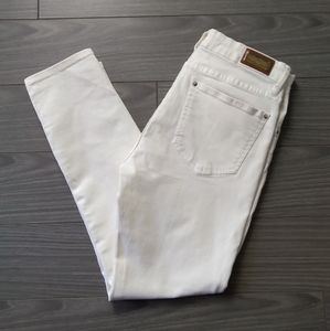 ZARA Woman-Premium Denimwear Collection